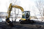 Thumbnail New Holland E70SR Midi Crawler Excavator Service Repair Manual